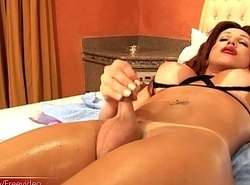 Shelady strokes their way lubed shecock greatest extent pinpointing stingy ass
