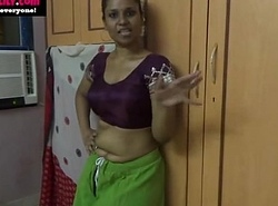 Amauter Indian babe masturbating