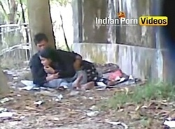 Alfresco oral sex mms of desi gals on every side beau - Indian Porno Movies